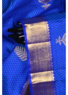 Cobalt blue charming kanchipuram silk saree with dull gold border-SR17184