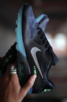 Nike Air Max 90 ICE QS Polygon - not usually my style but still tough Mode Shoes, Men's Shoes, Shoe Boots, Shoes Men, Nike Free Shoes, Nike Shoes Outlet, Nike Sportwear, Air Max Sneakers, Sneakers Nike