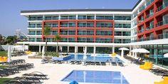 Moderno, fresco e com espírito jovem. Aquashow Park Hotel em Quarteira. Com 20% de desconto | Portimão | Escapadelas ®