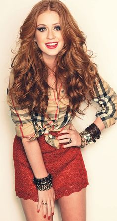 Marina Ruy Barbosa Love the hair and outfit Beautiful Red Hair, Gorgeous Redhead, Beautiful Clothes, Camisa Burberry, Look Fashion, Womens Fashion, Fashion Trends, Ginger Hair, Redheads