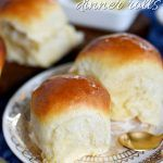 fluffy, buttery dinner rolls are impossible to resist. Homemade with just a handful of simple ingredients, the BEST Dinner Rolls can you be on your table in a jiffy. These easy dinner rolls really are the perfect addition to any meal! // Mom On Timeout Best Dinner Roll Recipe, Quick Dinner Rolls, No Yeast Dinner Rolls, Fluffy Dinner Rolls, Dinner Rolls Recipe, Recipes Dinner, Best Roll Recipe, Healthy Breakfast Bowl, Free Breakfast