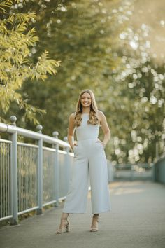 Senior Portrait Outfits, Senior Picture Outfits, Senior Portraits, Girl Senior Pictures, Senior Girls, Senior Photos, Spring Summer Fashion, Spring Outfits, Spring Style