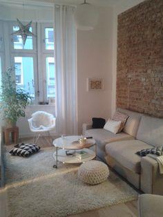 Backsteinwand im Wohnzimmer als Stilelement
