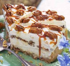 Peach-Pecan Ice Cream Pie with Caramel Sauce Recipe | Epicurious.com
