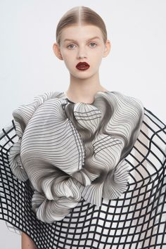 A Line of 3D Printed Clothing Based on Defects Photo