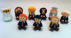Harry Potter, and friends 9 different to choose from Cupcake Toppers,  Great Harry Potter Cake idea too. $30.00, via Etsy.  @Meaghan Lane