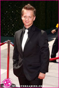 Jason Earles is in Hawaii for Disney's The Magic Of Healthy Living!