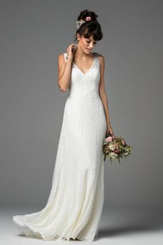 Watters wedding gown: http://www.stylemepretty.com/2016/10/12/willowby-by-watters-bridal-week-fall-2017-wedding-dresses/ Photography: Courtesy Willowby by Watters - https://www.watters.com/willowby/