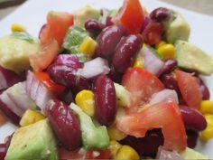 Cet été j'ai décidé de faire un tour du monde des salades ... L'avantage de ce tour du monde la, c'est qu'on peut le faire assis sur son canapé ( enfin ... debout dans sa cuisine ) Donc après la salade tahitienne , je vous propose une salade mexicaine...