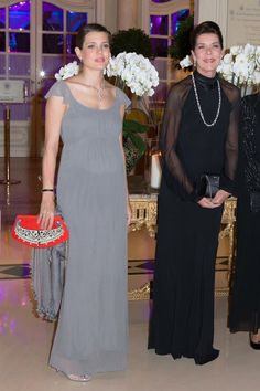 charlotte casiraghi embarazada vestido gala