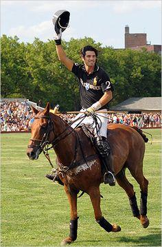 Nacho Figueras - Vendiendo su deporte (Polo) y su marca (él mismo) - The New York Times
