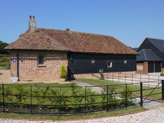 The Granary at Yockletts Farm, holiday accommodation. Holiday Accommodation, Luxury Holidays, Canterbury, Nature Reserve, Barn, England, Smoke, House Styles, Outdoor Decor
