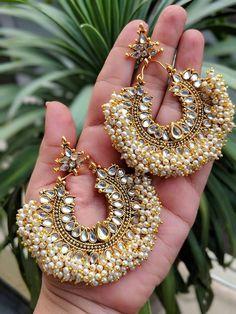 Indian Jewelery, traditional Jewelery,Kundan earrings,Rajwada earrings lined with fine pearls - pearl jwellry - Jewelry Indian Jewelry Earrings, Indian Jewelry Sets, Jewelry Design Earrings, Silver Jewellery Indian, Gold Earrings Designs, Indian Wedding Jewelry, Ear Jewelry, Silver Earrings, Jhumka Designs