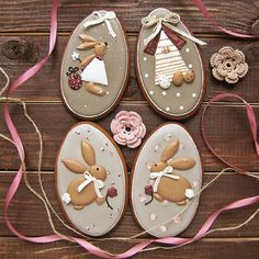 Decorated Easter cookies are a fun part of the Easter holiday. Get some ideas for Easter cookies here, and be prepared to drool because they're yummy! No Egg Cookies, Fancy Cookies, Iced Cookies, Biscuit Cookies, Cupcake Cookies, Sugar Cookies, Easter Cupcakes, Easter Cookies, Easter Treats