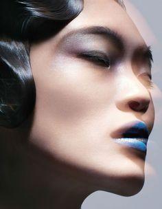 Magazin: Vogue China September 2016 Beauty Editorial: Cooler Down-Fotograf… Vogue China, Fashion Mode, Fashion Beauty, Fashion Brands, Blue Lips, Mask Online, Beautiful Mask, Blue Makeup, Japanese Models