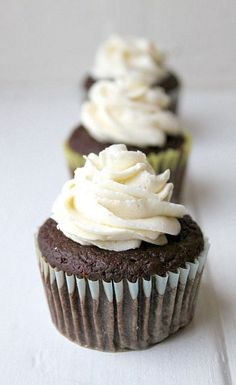 When you crave low calorie desserts, bake these healthy chocolate cupcakes for 100 calories! Made with applesauce, this recipe is moist, tender, and vegan!
