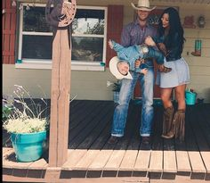 Our future family baby ❤️ Country Family Photos, Cute Country Couples, Cute Family Photos, Cute N Country, Cute Couples Goals, Country Girls, Cowboy Family Pictures, Western Baby Pictures, Country Couple Pictures