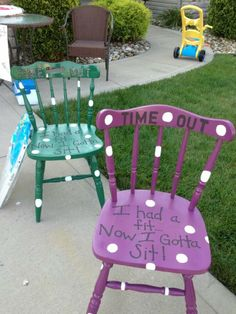 Time out chair phrase Furniture Projects, Kids Furniture, Furniture Makeover, Diy For Kids, Crafts For Kids, Diy Crafts, Painted Chairs, Painted Furniture, Time Out Stool
