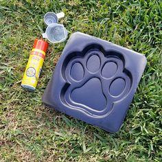 Stepping Stone Molds, Dog Potty, Pet Memorial Gifts, Concrete Cement, Cement Crafts, Dog Crafts, Dog Runs, Pet Memorials, Dog Supplies