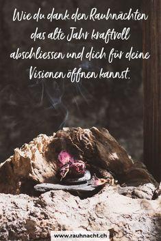 Schon gewusst?   Du kannst in den Rauhnächten während knapp zwei Wochen ganz bewusst und achtsam die Zeit zwischen den Jahren dazu nutzen, um das alte Jahr loszulassen, dich selber zu reflektieren, in die Kraft der Dankbarkeit einzutauchen und dich für die Visionen, Träume und Wünsche für das neue Jahr zu öffnen.  Komm mit mir auf die eine Reise zu den Rauhnächten à la HerzBauchWerk - dort, wo alte Rituale auf neues Bewusstsein treffen! Mind Tricks, Witchcraft, Meditation, Healing, Mindfulness, Magic, Blog, Give Thanks, Gratitude