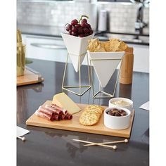 Don't forget to include some good design when hosting your friends for a few cocktails and hors d'oeuvres. We are getting our pre brunch party started with our TRIGG vessels and SAVORE serving tray.