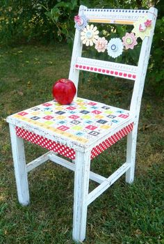 """I need to raid my parents basement and find a chair because this is soooo cute! I can totally see a """"Back to School"""" shoot in my mind!"""