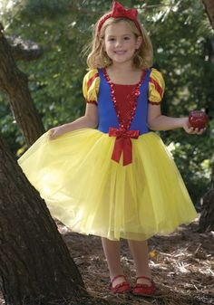- Forest Princess - Snow White princess dress with spandex bodice, organza skirt and satin striped pouf sleeves. Princess Dress Up Clothes, Dress Up Outfits, Diy Snow White Costume, Snow White Dress Up, Kids Dress Up, Princess Costumes, Tulle Tutu, Halloween Cosplay, New Dress