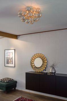 Fantastic ceiling plafond made of glass balls in amber. Gross by Rydens. Scandinavian Ceiling Lighting, Glass Ball, Chrome, Chandelier, Ceiling Lights, Furniture, By Rydéns, Home Decor, Balls