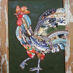 #mosaicopicassiette #mosaicrooster #brokenchina Mosaic Animals, Mosaic Birds, Mosaic Wall Art, Glass Wall Art, Stained Glass Art, Mosaic Pots, Mosaic Diy, Mosaic Crafts, Mosaic Projects