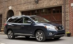 2014 Nissan Pathfinder Hybrid SUV Shown at New York International Auto Show