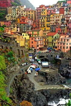 Manarola, Cinque Terre,Ligurie,Italy_ A fantastic place to visit some day! Places Around The World, Travel Around The World, Around The Worlds, Places To Travel, Places To See, Wonderful Places, Beautiful Places, Voyage Europe, Vacation Spots