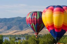 Hot Air Ballooning in Kamberg in Kamberg, KwaZulu Natal. Experience the awesome thrill and peaceful serenity of hot air ballooning. Balloon Rides, Hot Air Balloon, Balloon Flights, Kwazulu Natal, Time Travel, Life Is Good, Things To Do, Balloons, Austin Tx