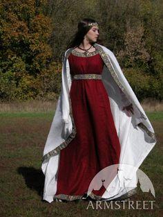 Costume medievale con tunica, vestito e sciarpa di ArmStreet