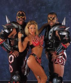 During the Attitude Era many of the women were also managers for Tag Teams. Pictured her is Sunny with the tag team Legion of Doom Wrestling Stars, Wrestling Wwe, Female Wrestlers, Wwe Wrestlers, Hobbit, Wwf Wrestlemania 2000, Attitude Era, Wwe Divas Paige, The Road Warriors