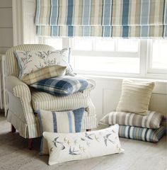 Find sophisticated detail in every Laura Ashley collection - home furnishings, children's room decor, and women, girls & men's fashion. Cheap Bedroom Decor, Cheap Home Decor, Luxury Homes Interior, Interior Design, Interior Ideas, Laura Ashley Curtains, Laura Ashley Home, Home Furnishings, Living Room Decor