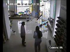 Lốc xoáy phá hủy 1 cửa hàng ở Uruguay - http://www.blogtamtrang.vn/loc-xoay-pha-huy-1-cua-hang-o-uruguay/