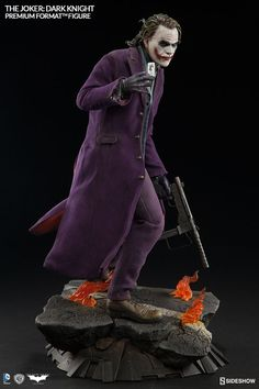 DC Comics The Joker The Dark Knight Premium Format Figure by Sideshow Collectibles