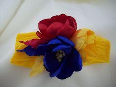 balaca  con los colores de la bandera de Colombia Baby Girl Headbands, Headbands Flores, Hair Bows, 1 Decembrie, Hair Accessories, Fashion, Rednecks, Handmade Accessories, Girls Hair Accessories
