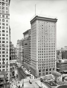 1905, The North American Building. You can see City Hall in the background. Cool pic.