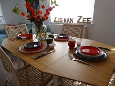 Heerlijk herfst bij Zus aan Zee, www.zusaanzee.com Pet Friendly Accommodation, Free Wifi, Bed And Breakfast, Table Settings, Holland, Museum, Hotels, Europe, Breakfast In Bed
