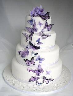 Te gustan las mariposas!!! Hermosa y creativa manera de incorporarla en tu boda.... hermoso pastel de bodas