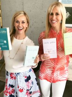 reese-witherspoon-1 Reese Witherspoon Instagram, Reese Witherspoon Book Club, Book Club Books, New Books, Book Lists, Book Clubs, Emily Giffin Books, Luckiest Girl Alive, Sunshine Books