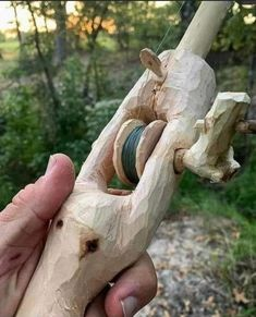Bushcraft Kit, Bushcraft Camping, Survival Life Hacks, Survival Skills, Woodworking As A Hobby, Woodworking Plans, Fishing Kit, Apocalypse Survival, Stuff And Thangs