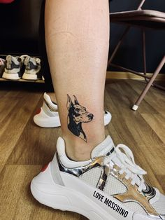 Leg Tattoos Women, Top Tattoos, Mini Tattoos, Body Art Tattoos, Tattoos For Guys, Tattoo Design Drawings, Tattoo Designs, Doberman Tattoo, Tiny Finger Tattoos