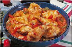 Le poulet basquaise! Je ne sais pas vous mais moi j'adore ce plat :D Tellement simple et bon ! A servir avec du riz ou des pâtes voir même sans rien du tou
