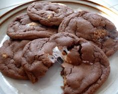 I want some one to make me these Peanut Butter S'more Cookies!
