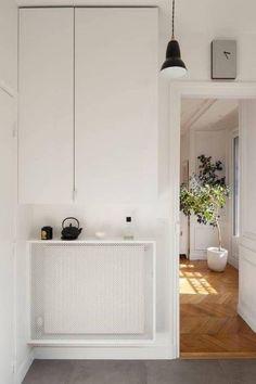 White Radiator Covers, Modern Radiator Cover, Best Radiators, Casa Milano, Decoracion Vintage Chic, Famous Interior Designers, Designer Radiator, Cute Dorm Rooms, Paris Design