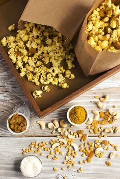 Curry Popcorn | @tastyyummies