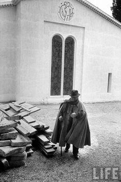 Artist Henri Matisse outside the chapel he designed. Location:Vence, FranceDate taken:June 1951Photographer:Dmitri Kessel ...
