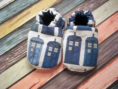 Doctor Who Police Box Tardis on GRID baby soft sole shoes, crib shoes, non slip soles, boy, girl, Baby shower, baby fashion, nerdy